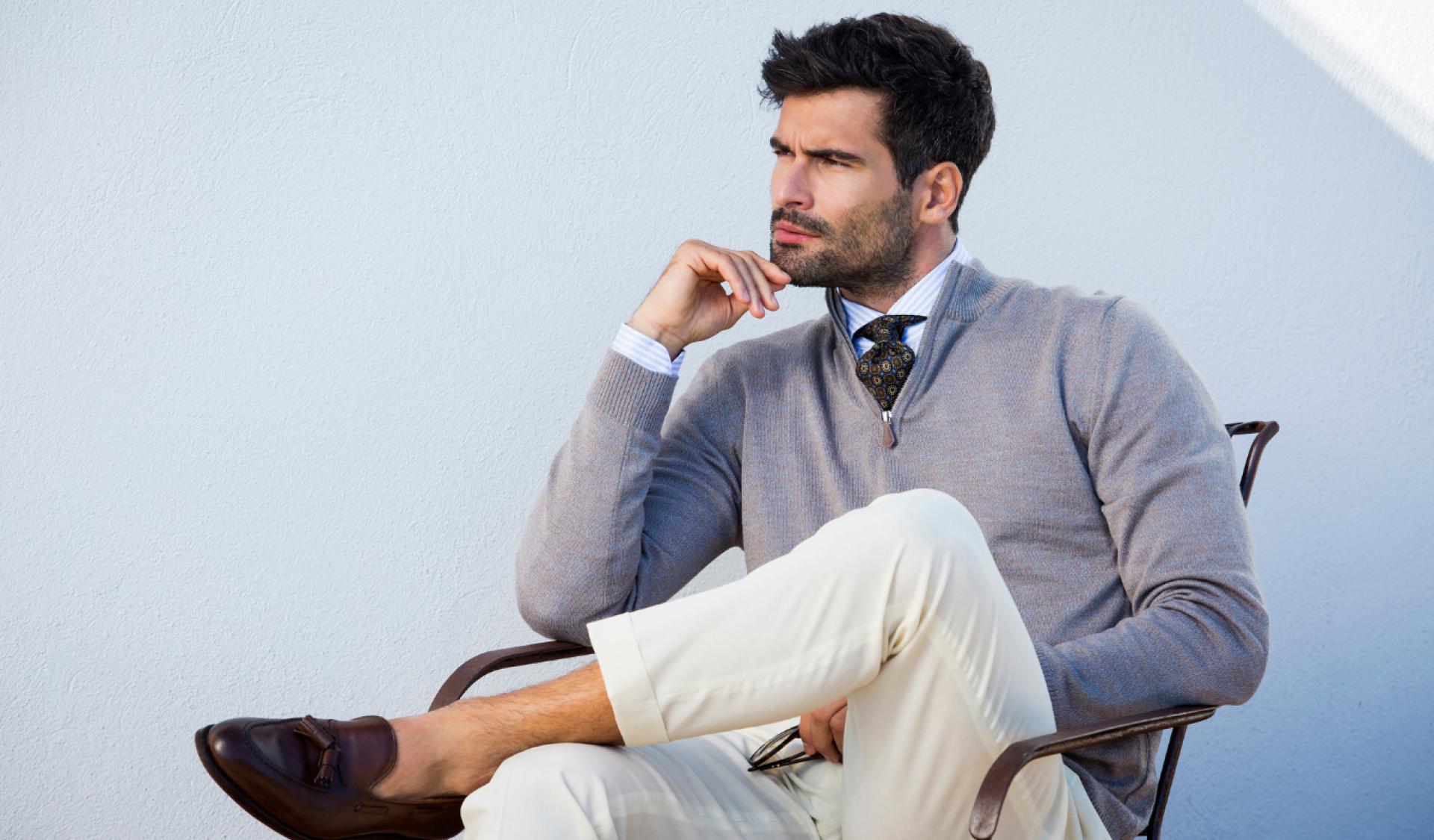 Sportowa elegancja – na luzie, ale nie w rozpiętej bluzie.