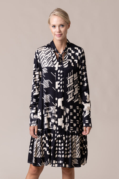 Sukienka Beatrice B 20FA6369RAJA677_99 czarny